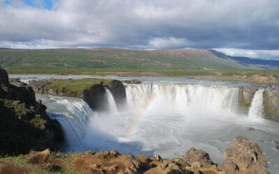 15 Tage Mietwagenrundreise durch Island